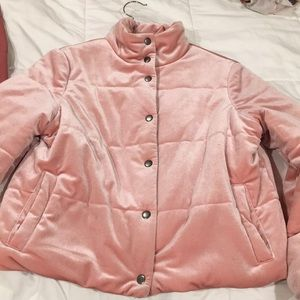 Cute velvety cropped puffer